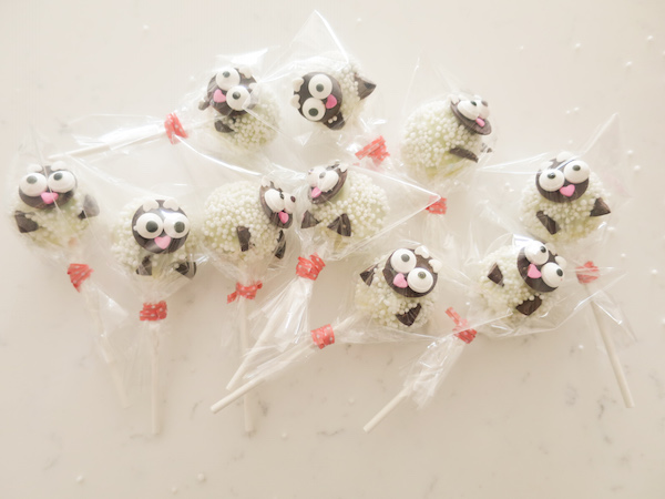 baby sheep cake pops