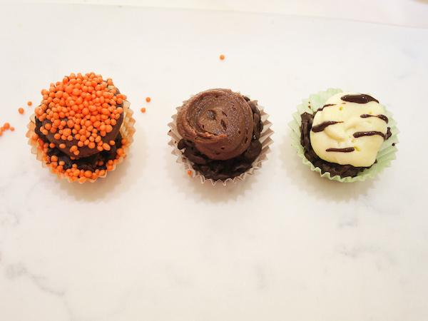 Safari animal chocolate cupcakes